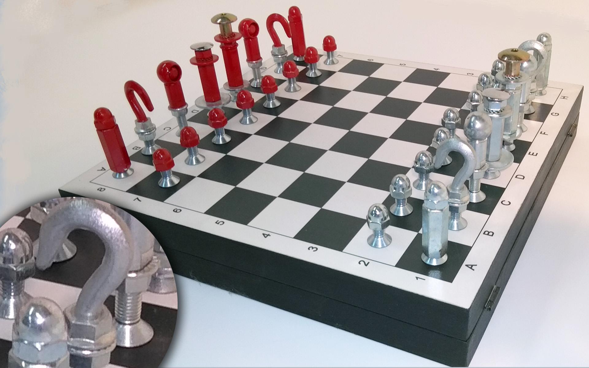 scacchi fatti con bulloni